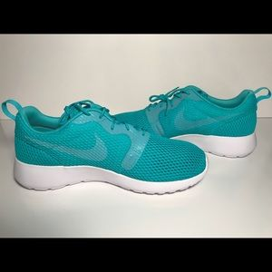 7215db9b7b8f Nike Shoes - Nike Roshe One HYP BR